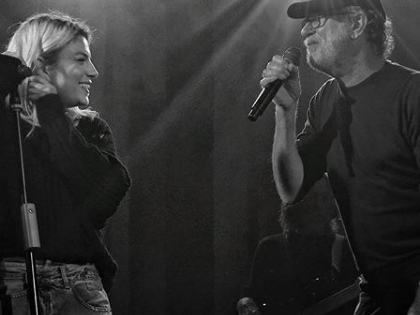Emma Marrone festeggia 9 anni di carriera e duetta con De Gregori