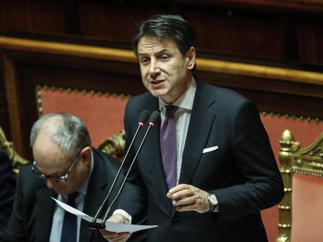 """Nuovo decreto, Conte alla Camera: """"Emergenza senza precedenti, la Storia dirà se siamo all'altezza"""""""
