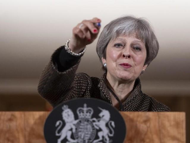 """May minaccia l'Europa su Brexit: """"Un non accordo è meglio di un cattivo accordo"""""""