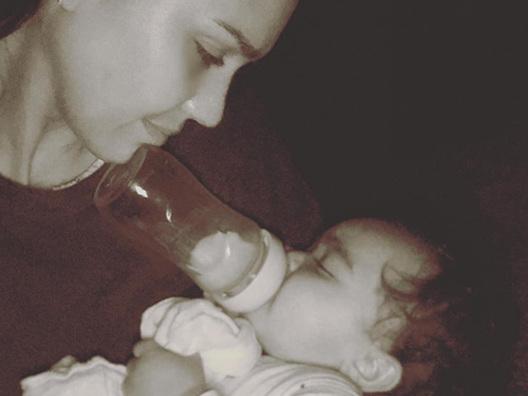 Jessica Alba coccola Heyes su Instagram