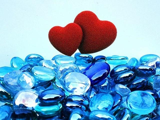 L'oroscopo dell'amore di coppia, 17 aprile: Ariete brusco, novità per Bilancia