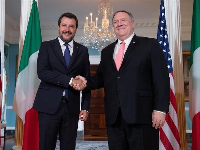 Il Russiagate è la punta dell'iceberg: la politica estera di Salvini è un disastro dietro l'altro