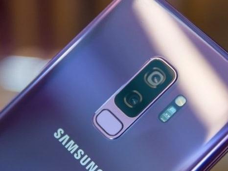 Anche i Samsung Galaxy S9 no brand italiani con patch di ottobre: sorpresa per la fotocamera