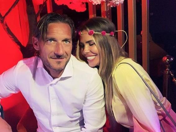 """Ilary Blasi: """"Con Francesco Totti sembrava destinata a finire, ci siamo protetti a vicenda"""""""