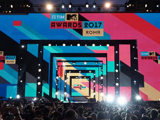 TIM MTV Awards: rivedi il meglio dello show nello speciale con Emis Killa