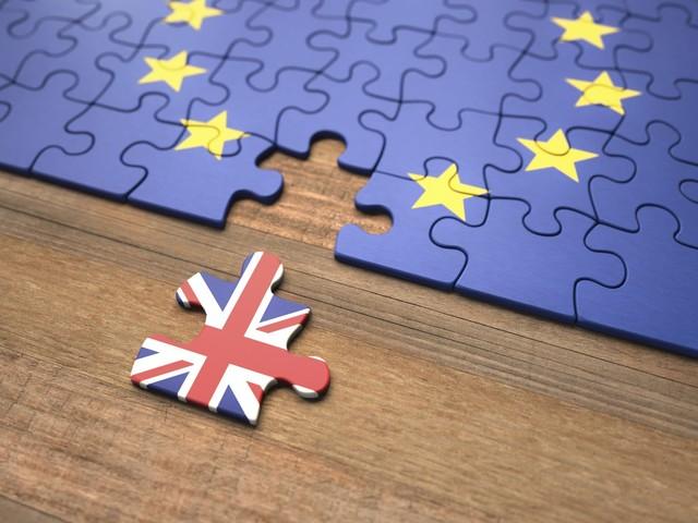 Brexit, mozione di sfiducia bocciata, il governo resta in carica: cosa succede adesso