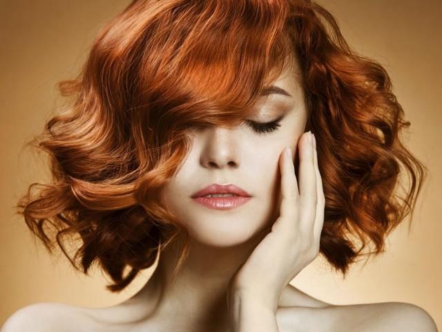 Tagli di capelli autunno: il long bob, il pixie, lo shag e la tonalità Ash brunette