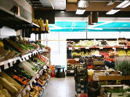 Qual è il supermercato più economico in Italia nel 2020? Altroconsumo li mette in fila, ecco chi la spunta!