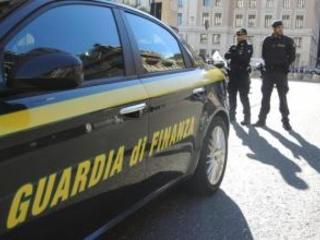 Preso broker internazionale contrabbando: si rifugiava a Scampia