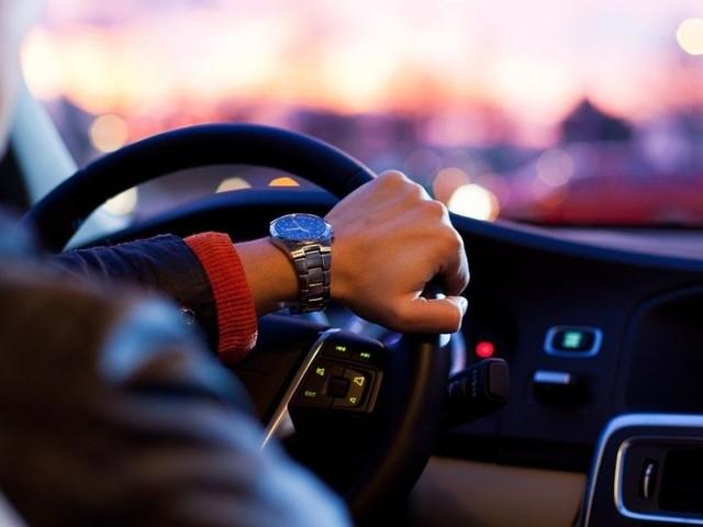Bollo auto 2021, cosa cambia per la tassa di possesso: importi e modalità