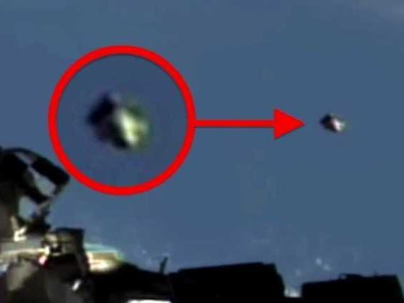 INCREDIBILE VIDEO!! Un UFO si affianca alla Stazione Spaziale per 22 minuti prima di scomparire nello spazio!