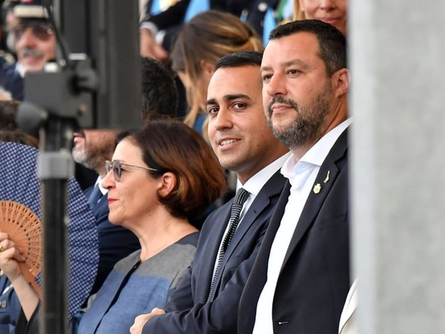 """""""Mai più con lui, chi ha tradito una volta è pronto a rifarlo"""": Trenta contro Salvini"""