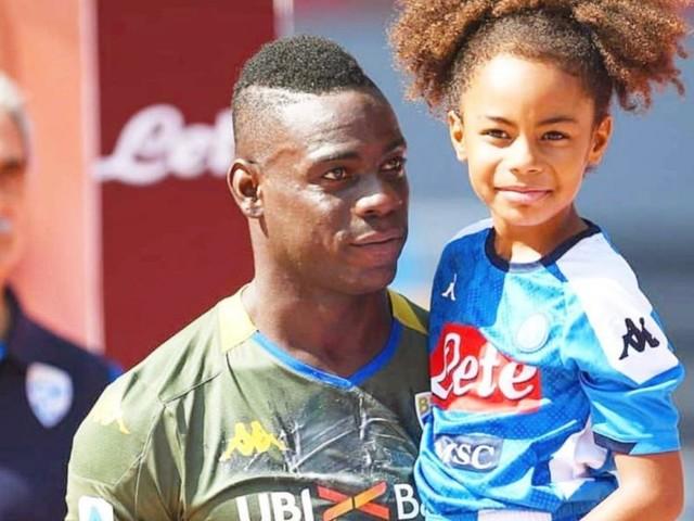 """Raffaella Fico dopo i fatti incresciosi di Verona-Brescia rivela: """"Mia figlia Pia Balotelli vittima di razzismo all'asilo"""""""