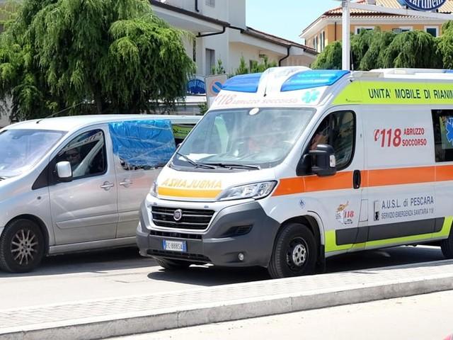 Ambulanza, chi la ostacola in strada rischia una multa e anche il carcere