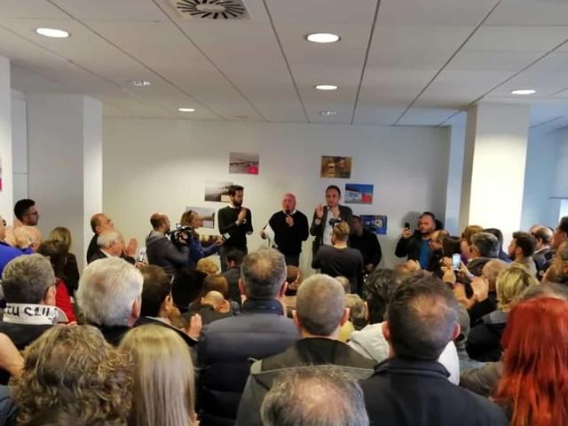 """Di Rella inaugura il comitato elettorale: """"C'è bisogno di far tornare a funzionare la città"""""""