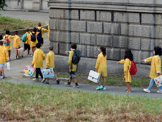 Scuola: oggi le ultime riaperture, nel weekend già le prime proteste