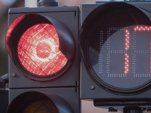 """Semafori countdown, Guido ne suggerisce l'installazione a Lecce: """"Riducono lo stress delle attese"""""""