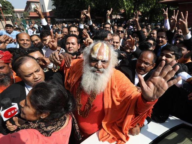 Città sacra di Ayodhya, vinconogli indù. I giudici: si costruiràun tempio, non una moschea