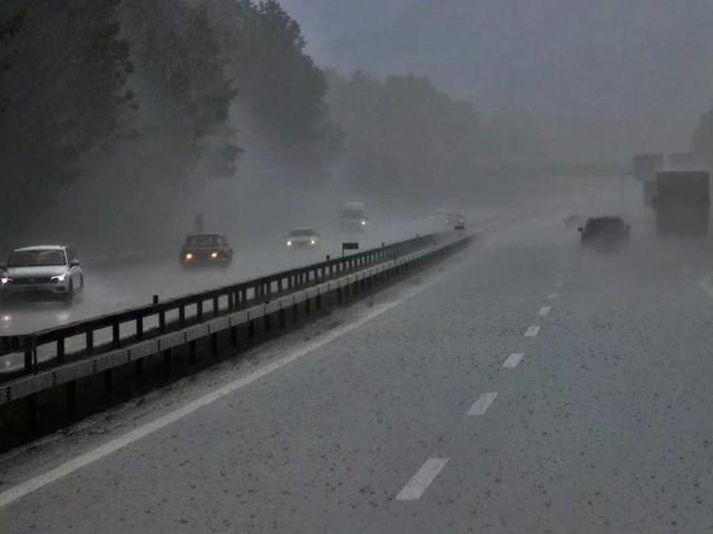 Meteo e traffico in autostrada: in arrivo forti temporali
