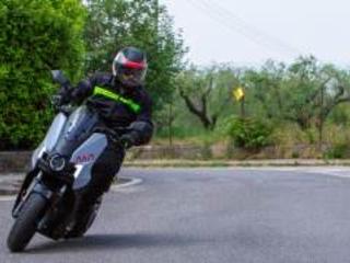 Seat Mò: in sella al primo scooter elettrico della casa spagnola