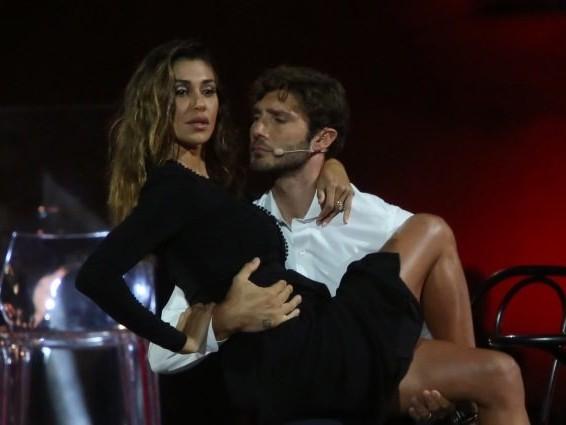 Belén Rodriguez e De Martino si separano anche in tv, solo Stefano guiderà il Festival di Castrocaro
