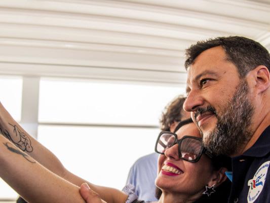 Cosa pensa Matteo Salvini dell'ipotesi di un governo di scopoPd-Cinquestelle
