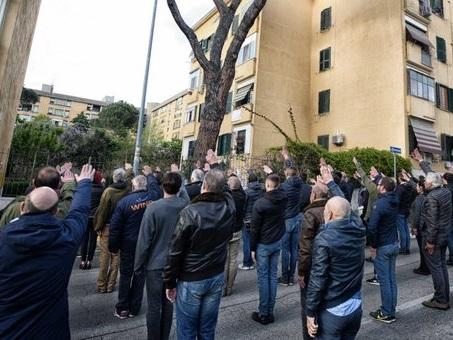 Fratelli Mattei, il ricordo a Primavalle: sfila anche Alemanno