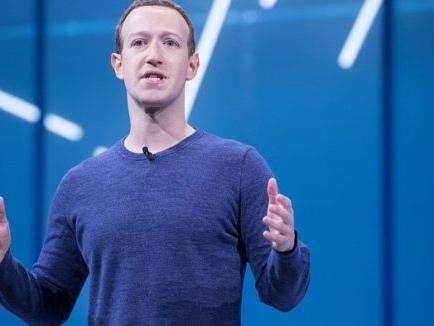 Facebook ascolta e trascrive chat e conversazioni vocali, zitto zitto
