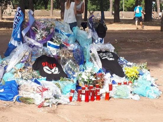 Omicidio Piscitelli, bruciata la panchina su cui è stato ucciso il capo Ultras laziale Diabolik