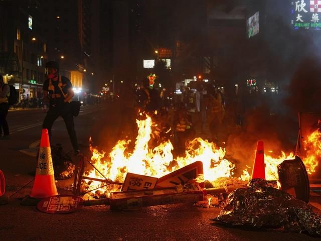 Hong Kong, oltre 400 arresti al primo corteo di protesta dell'anno