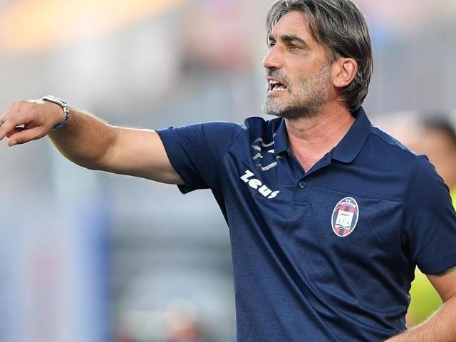 Serie B, Crotone battuto nel derby: Carraro fa esultare il Cosenza