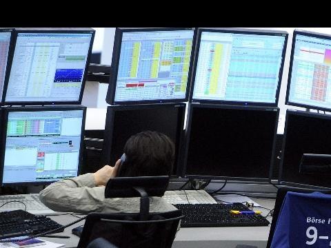 Borsa: Milano apre in rialzo (+0,07%)