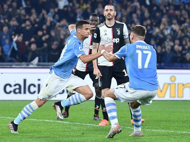 Lazio batte la Juve è il primo ko per i bianconeri