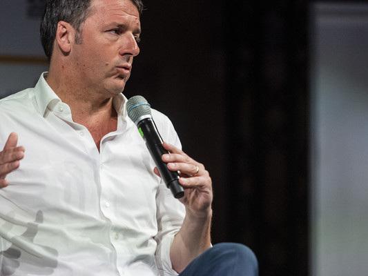 """Per Renzi votare a ottobre è folle: """"Condannerebbe il Paese alla recessione"""""""