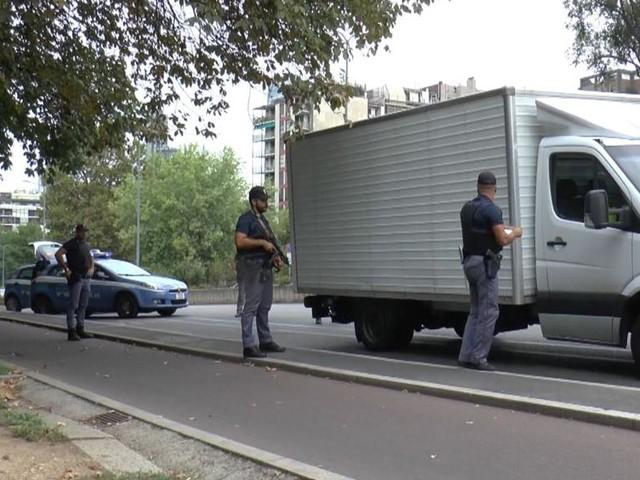 """Operazione della polizia """"Ultimo Miglio"""": in tre giorni controllati 27mila veicoli"""