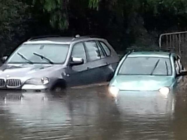 Bomba d'acqua su Catania, allerta meteo gialla: allagamenti e disagi