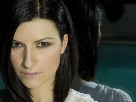 Al via il toto-nomi per i Big di Sanremo 2018 con The Kolors: Laura Pausini possibile ospite