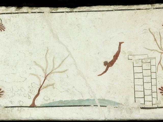 Il Tuffatore di Paestum, una mostra celebra i 50 anni dalla scoperta della tomba