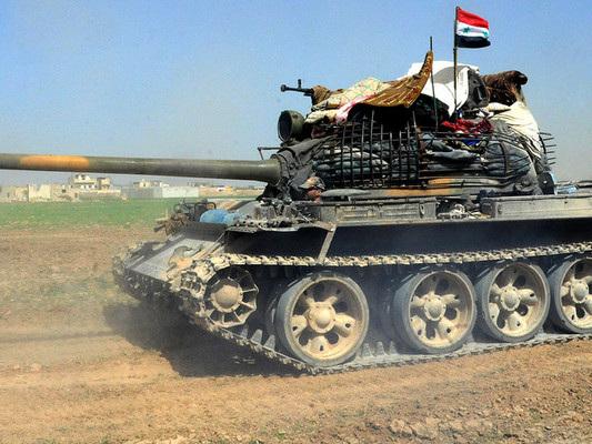 Le truppe di Assad avanzano verso il confine turco