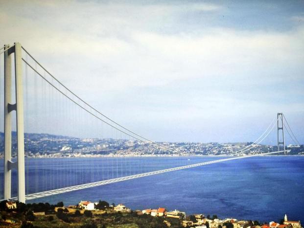 Ponte Stretto: Musumeci, governo prenda decisione coraggiosa