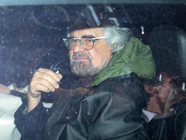"""La provocazione di Grillo: """"Faccio io il segretario del Pd"""""""