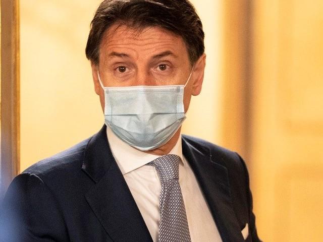 """Pd, Conte: """"Dispiaciuto per la decisione sofferta di Zingaretti"""""""