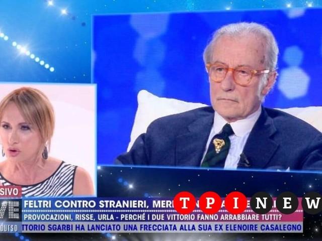 """Vittorio Feltri a Live Non è la d'Urso: """"Fro*io non è un'offesa"""", e poi lascia lo studio"""