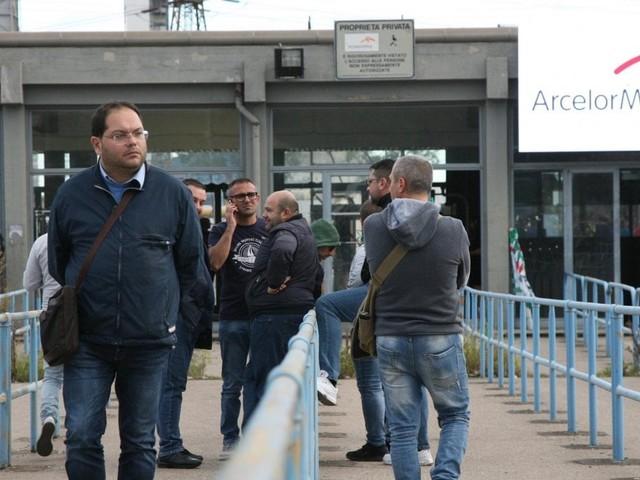 """Ex Ilva, Mattarella convoca i sindacati al Quirinale. I giudici di Milano: """"Non fermate gli impianti"""""""