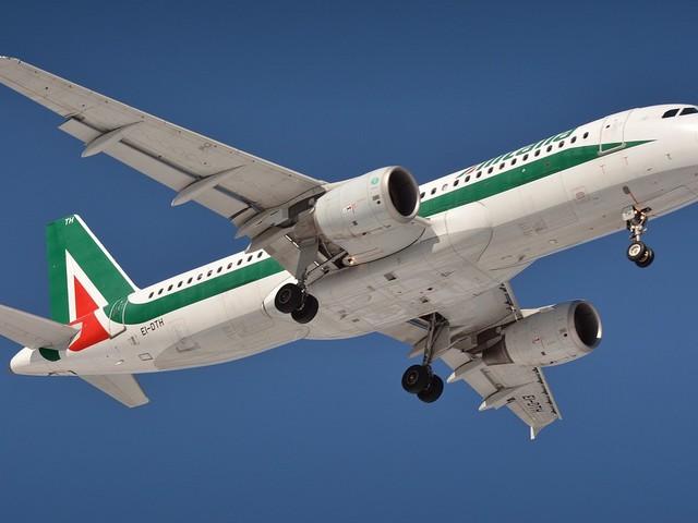 Alitalia, confermato lo sciopero di venerdì 13: 315 voli cancellati