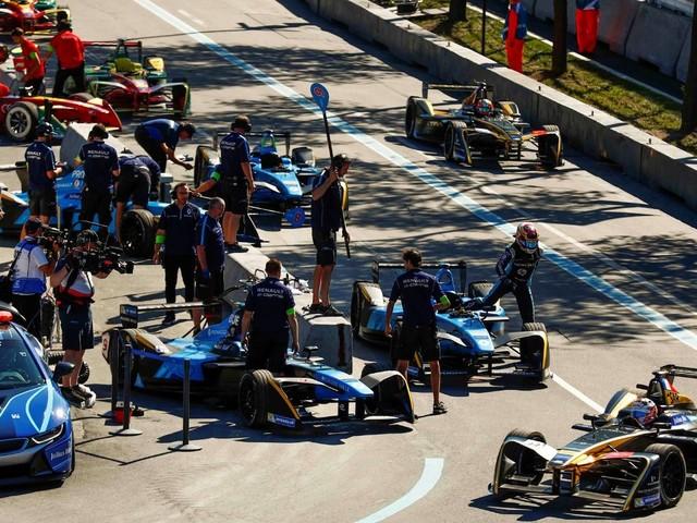 Formula E - Iniziano i test a Valencia