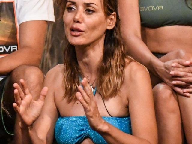 Isola, l'indiscrezione su Martani nel cast: 'Blasi non avrebbe fatto i salti di gioia'