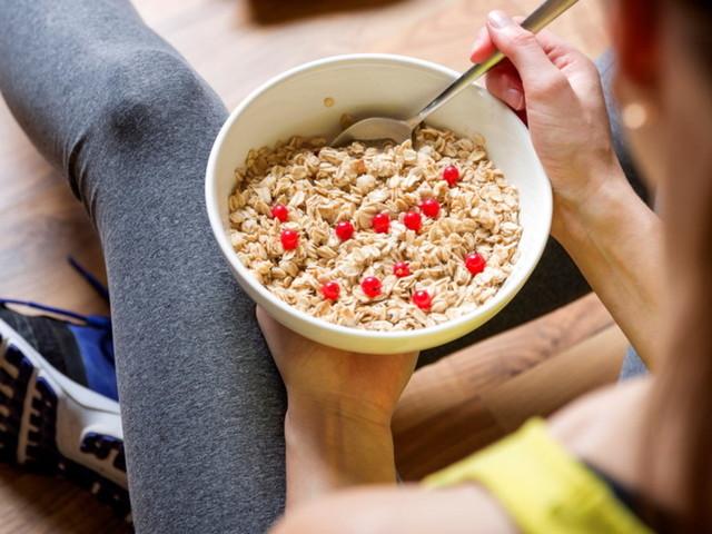 A tavola: i cibi che ci ingannano nascondendo zuccheri segreti