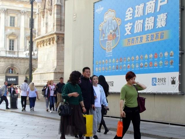 """Record di turisti a Milano nel mese di settembre: """"Effetto eventi"""""""