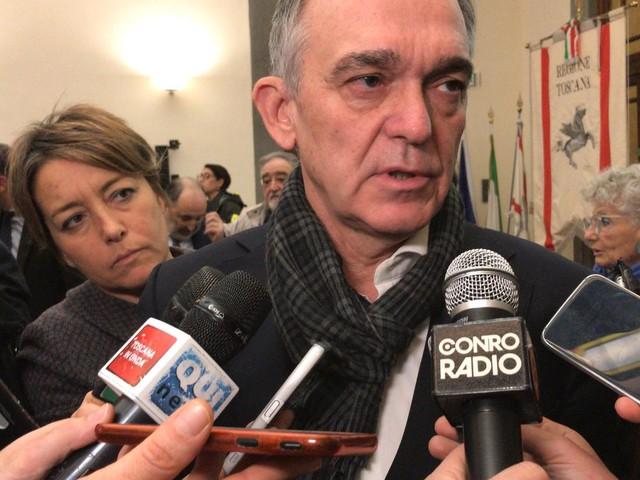 """Europee, Rossi posta foto simbolo Pd: """"sarò lì a fare mia battaglia socialista"""""""